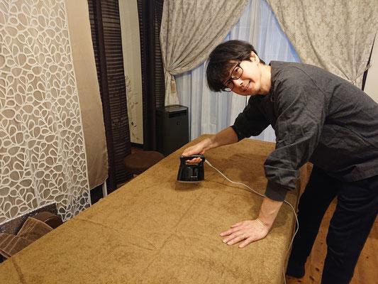 タオルケットご希望のお客さま後にもスチーマーで処理後シッカリ乾燥させます(*^^)v