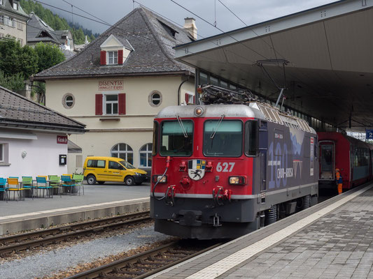 Lokwechsel am Glacierexpress in Disentis