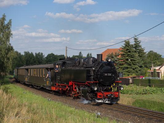 99 758 brachte die Ehrengäste nach Bertsdorf