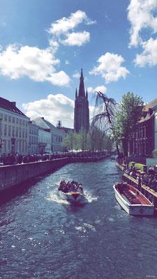Dijver - Église Notre-Dame de Bruges depuis Wollestraat - Onze Lieve Vrouw Brugge