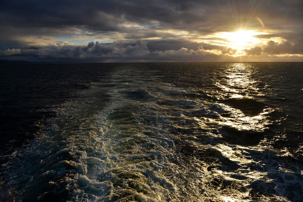 Midnightsun on Barentssea