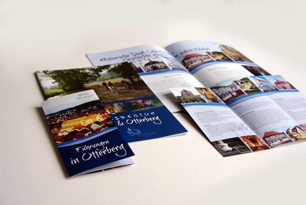 Verschiedene Folder im bereich Tourismus