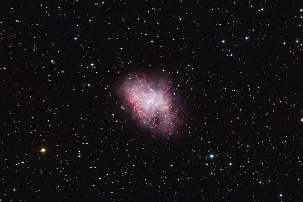 Messier M1 am 15. Januar 2019. Luminanz 1h (4x15min) mit RGB 4x pro Kanal (R:421s G:450s B:619s) - mit Dark- und Flatfieldabzug