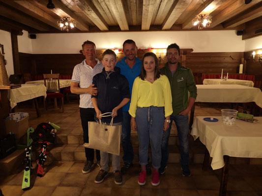 Siegermannschaft RSK 1: Helli Sporer, Friedl Eberharter, Christoph Eberharter, Lena Rieser