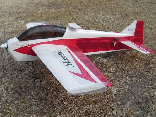 翼端板(PPシート等で自作)は、翼端の揺れや機体の横滑り防止に効果がある。