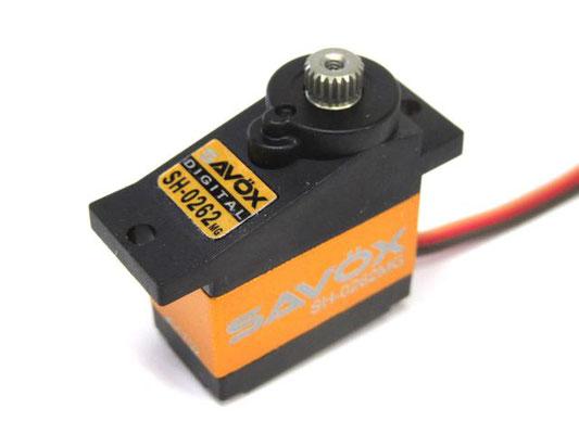 SAVOX SH-0262MG。超高速なので、製品によっては保持力不足を感じる事もある。