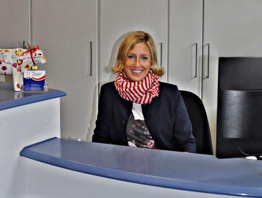 Empfang Vroni in der Zahnarztpraxis Berthold Pilsl in Garmisch-Partenkirchen