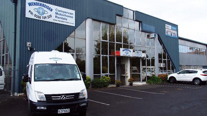 Reibungslos - Übergabe des Campervans im Wendekreisen-Office in Auckland