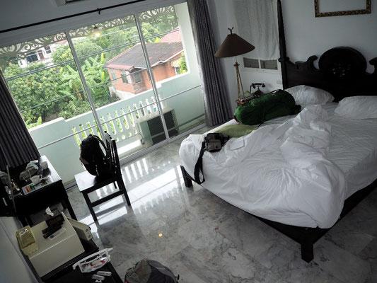 ... und danach im guten Zimmer des Hotels schliefen