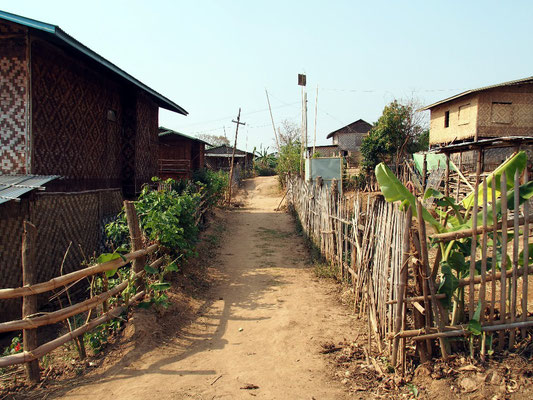 Gasse in Kan Daw Village...