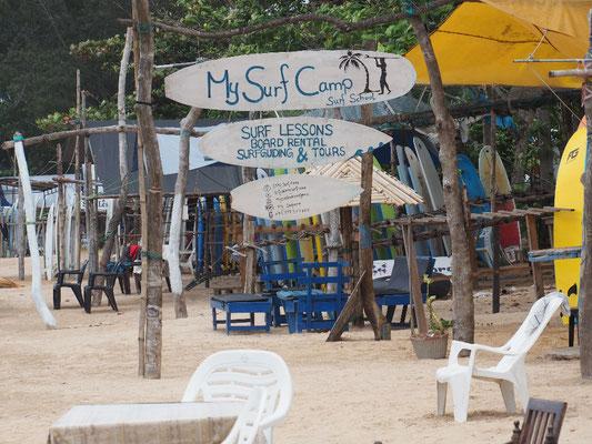 Surfparadies - Surfschule an einem der Srände bei Mirissa
