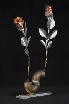 """Roses tuyau, cuivre et aluminium, 20"""" h x 4"""" l, 2016, $160.00"""