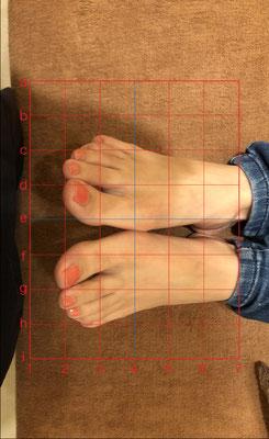 女性 足の長さ確認