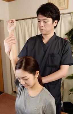 肩関節の可動域確認