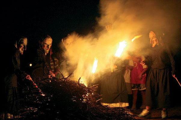 Akelarre en la Chabola de la Hechicera en Elvillar / Bilar