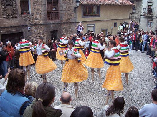 Danza de los Zancos en Anguiano, La Rioja