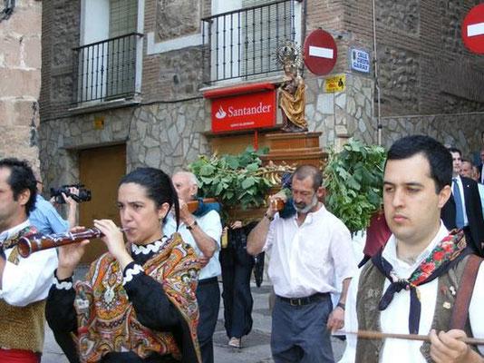 """Fiestas del Pan y Queso """"Paniqueso"""" de Quel, La Rioja"""