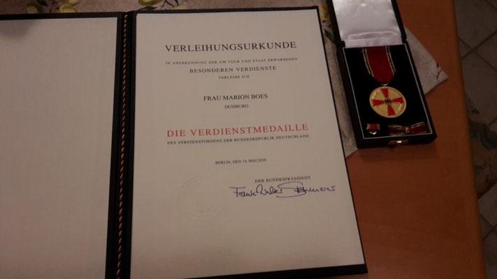 Die Urkunde (Foto: Marion Boes)