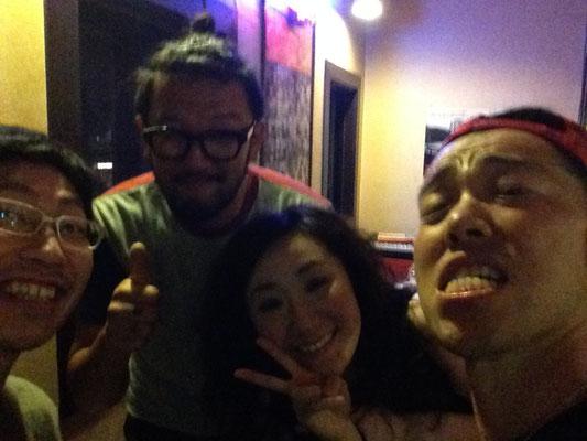 6.26 呼んでくださったターキンさんはじめ、藤野恵美さん、ひろぽんさん。(右から)