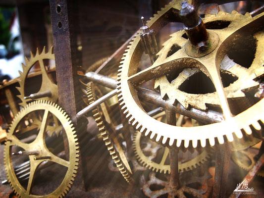 """Antiquated clock"" (Faverges, Haute-Savoie) 07/2012 Finepix-f100fd"