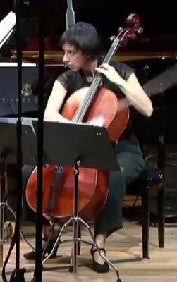 Amparo Lacruz, violoncelista