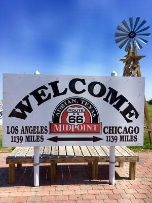 Glen Rio, Mid Point in Adrian, Chicago 1139 Miles - Los Angeles 1139 Miles, Texas
