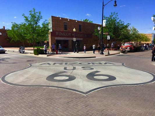 Eagles - Standin' on a corner in Winslow, Arizona