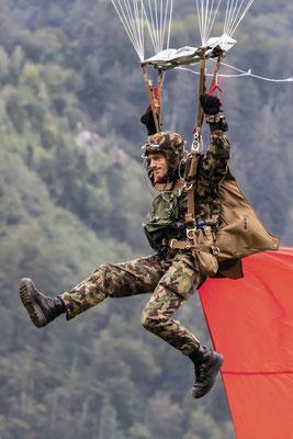 Fallschirmspringer, Swiss Army