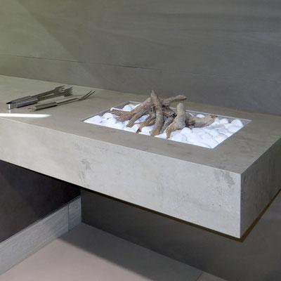 Lauko barbekiu stalelis iš pilko keraminio akmens neolith