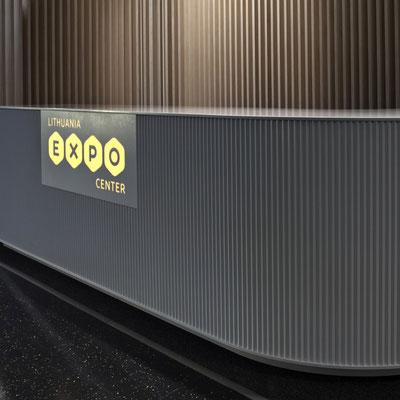 Akrilinio akmens registratūra su šviečiančiu logotipu / gamintojas: Gforma