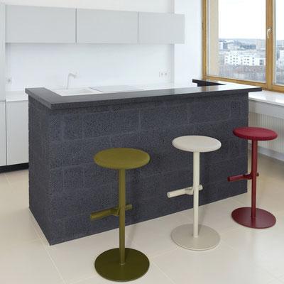 Virtuvės baras iš tamsiai pilko akrilinio akmens / gamintojas: Gforma