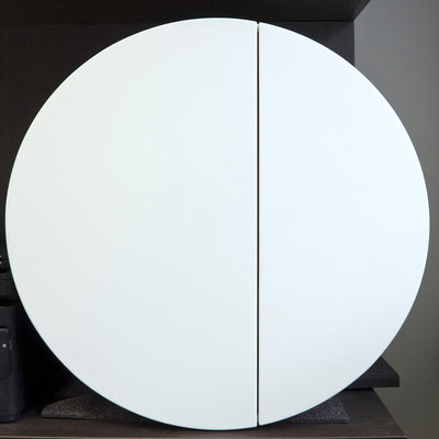 Balta apvali pakabinama spintelė iš akrilinio akmens / gamintojas: Gforma