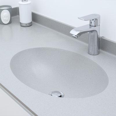 Pilkas akrilinio akmens stalviršis su ovaliu praustuvu sujungtas be žymių / gamintojas: Gforma