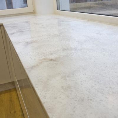 Virtuvės stalviršis iš akrilinio akmens sujungtas su palange / gamintojas - Gforma