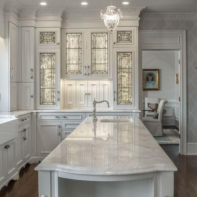 Klasikinis marmurinis virtuvės sakos stalviršis