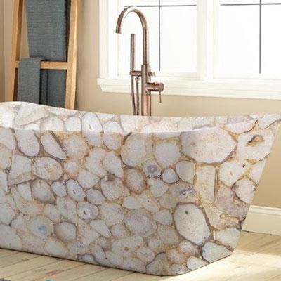 Pastatoma vonia iš natūralaus egzotinio akmens - balto agato