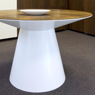Apvalaus stalo koja-pagrindas iš balto akrilinio akmens corian / gamintojas - Gforma