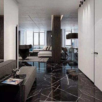 Juodo marmuro grindys su gyslomis