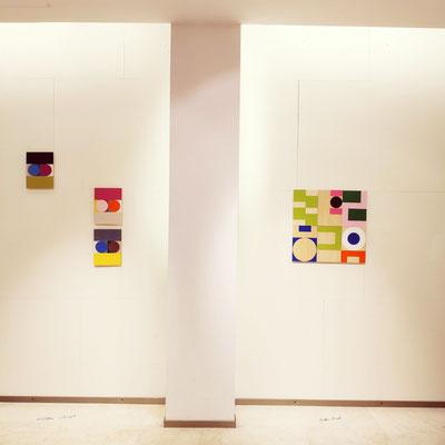 """Ausstellungsansicht, Ellen Roß, Werke aus der Serie """"squares + circles"""""""