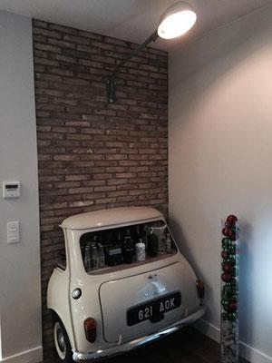 Un cliente nos manda desde Zaragoza un mueble bar de lo mas original que ha colocado en su salón !!!. La lámpara es de POTSDAM.