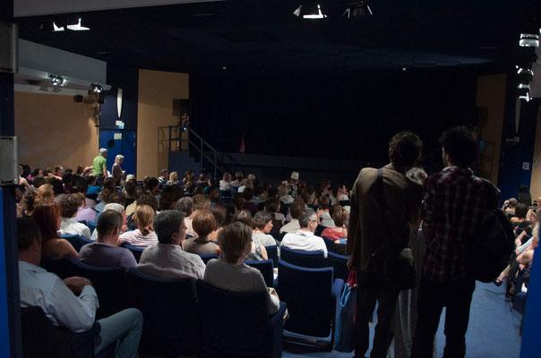 """""""Les femmes sont des salauds comme les autres"""". Une Avant-première comble, 315 fauteuils, premier public... Théâtre des Abondances, à Boulogne..."""