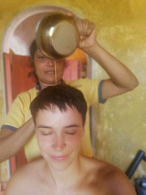 Kopfmassage - Öl Behandlung