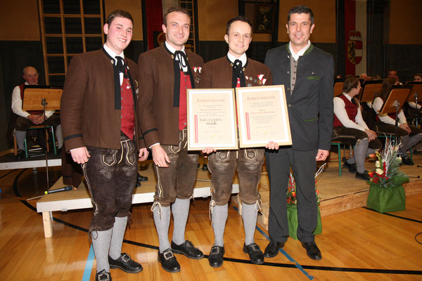 Cäciliakonzert 2018 - Verleihung des Ehrenzeichen in Bronze für 10 Jahre Mitgliedschaft + Verleihung der Prof. Leo Ertl Medaille in Bronze an unseren Kapellmeister Rony