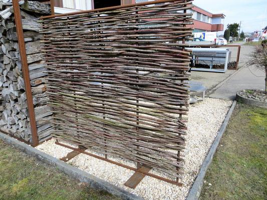 Windschutz Stahl und Holz