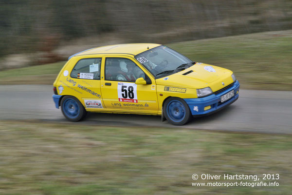 # 58 - 8 - Michael Rösing (Neuhausen) & Melanie Rösing-Bordt (Neuhausen) / Renault Clio Williams
