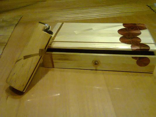 boite et porte briquet assorti