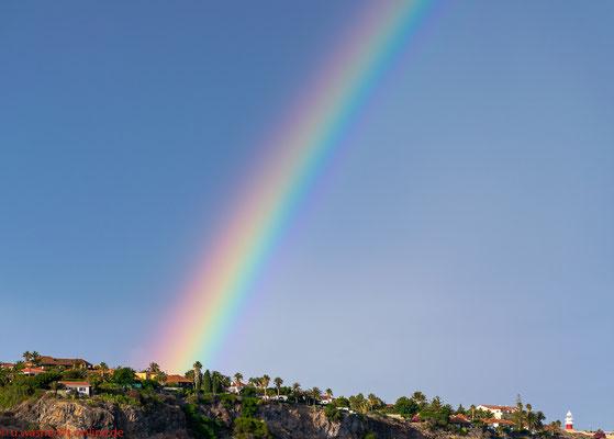La Gomera Regenbogen am Hafen