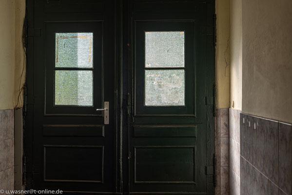Ausgang vom Hinterhof Alt-Berliner Haus