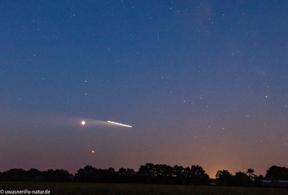 Mondfinsternis um 23:11 Uhr in Neerstedt oder: so entstehen UFO- Bilder :-)