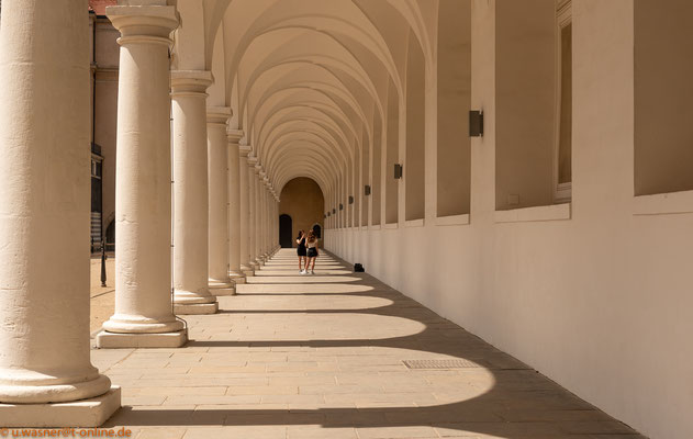 Säulengang im Dresdner Stallhof -Normalansicht